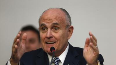 El exalcalde de Nueva York 'Rudy' Giuliani dice que votará por Donald Trump