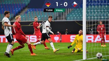Alemania vence a República Checa, pero sigue sin convencer
