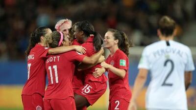 Mundial femenil: Holanda y Canadá calificaron a octavos de final con marcha perfecta