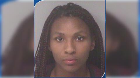 Arrestan a una mujer de 21 años acusada del asesinato de su pequeño hijo en Florida