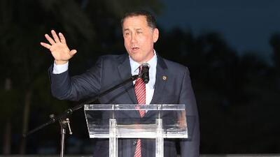 El gobierno de Florida, el nuevo y gran objetivo Philip Levine