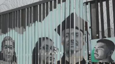"""Transforman el muro fronterizo en un lienzo para """"humanizar la deportación"""""""