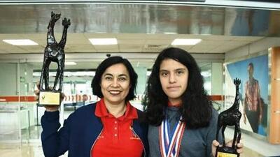 Estudiante mexicana logra tercera medalla de oro en olimpiadas de matemáticas en Europa