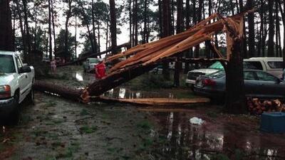 Tornado en Virginia deja 2 muertos y 20 heridos
