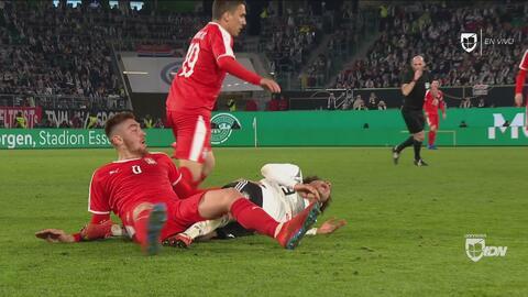 ¡Lo pudo haber quebrado! Tarjeta roja para Pavkov por terrible entrada sobre Sané