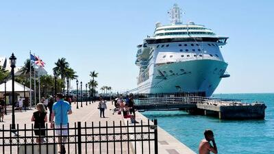 Más de 300 pasajeros se enferman de un virus estomacal en un crucero de Royal Caribbean
