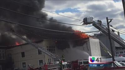 Heridos y pérdida de dólares por incendio destructivo en New Jersey