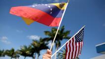 """""""No haga caso a rumores"""": experto a venezolanos en EEUU para evitar problemas por su estatus migratorio"""