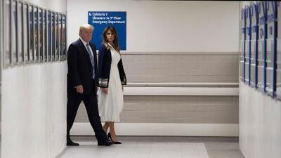 Donald y Melania Trump visitan hospital donde permanecen sobrevivientes del tiroteo en la escuela de Florida
