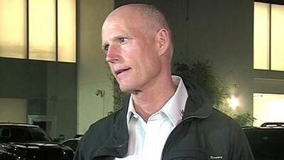 Rick Scott se pone a disposición de los familiares de las víctimas del tiroteo en escuela de Florida