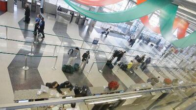 Tres niñas estadounidenses, hijas de mexicanos, fueron retenidas por 13 horas en O'Hare en Chicago