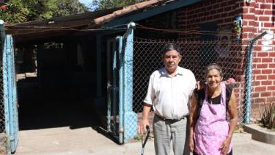 Ante el fin del TPS, muchos salvadoreños se preguntan qué harán sin las remesas que les llegan de EEUU