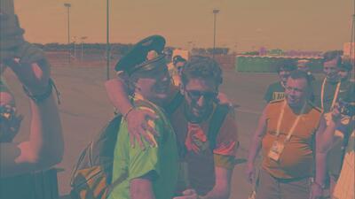 ¡Le cayó la maldición! Mexicanos le ponen de emergencia camiseta del Cruz Azul a brasileño