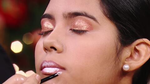 ¿Ya sabes cómo maquillarte esta Navidad? Consejos para resaltar tu rostro y lucir espectacular