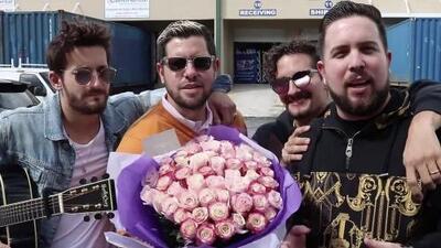 Mau y Ricky junto a Los Pichy Boys le salvan el matrimonio a un radioescucha