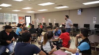 Departamento de Educación adiestra a estudiantes para la industria de construcción