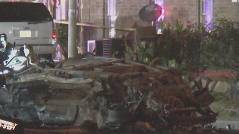 Aparatoso accidente de tránsito en Houston deja dos oficiales de la policía heridos