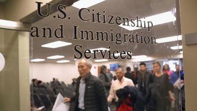 Inmigración anuncia ajustes en el formulario I-212 para reingresar a Estados Unidos