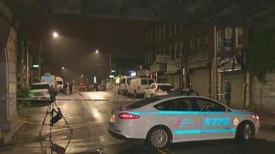 Hispano muere baleado en la cara frente a una bodega en Queens