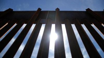 En un minuto: El Pentágono identifica proyectos que puede cancelar para financiar el muro