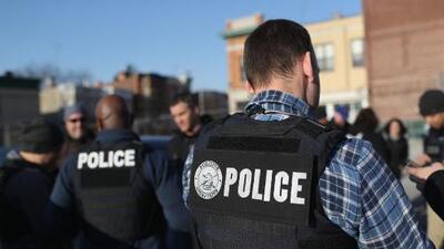 Jueces declaran inconstitucional una redada en la que ICE arrestó más 130 inmigrantes hace 11 años