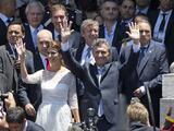 Macri acaba con 12 años de kirchnerismo al jurar como presidente de Argentina