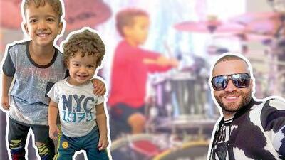 La impresionante habilidad de Santi, el hijo Nacho, para tocar la batería (Matías también le sigue los pasos)