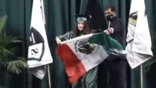 Niegan el diploma a hispana que ondeó la bandera de México durante su graduación en Texas