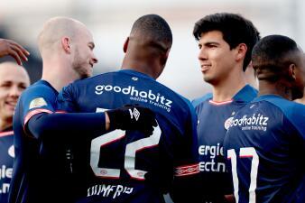 En fotos: PSV Eindhoven tropieza con empate contra Emmen pero se salva en la Eredivisie