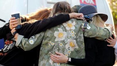 Identifican a las primera víctimas del tiroteo en California: cuatro hombres y tres mujeres