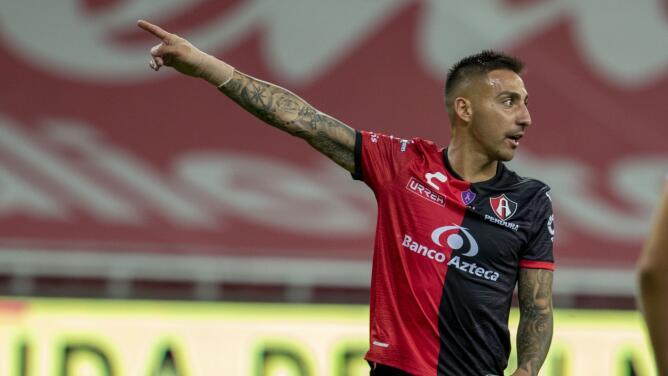 """Ventilan reporte de árbitro por jaloneo de Correa: """"La con... de tu ma..."""""""
