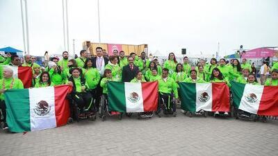 Ondea la bandera de México en la Villa Parapanamericana