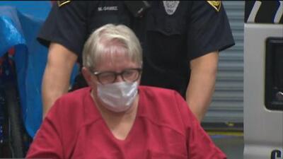 Se presenta en corte la enfermera acusada de asesinar a bebés
