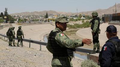 México intensifica los controles en su frontera sur con un enorme operativo antiinmigrante