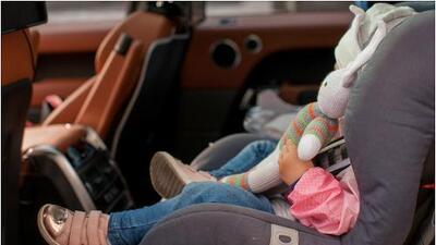 Niños olvidados en los autos: consejos para que los padres estén alertas