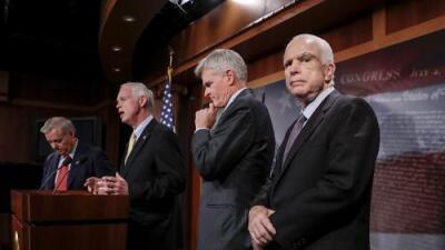 """Senadores republicanos califican el 'skinny repeal plan' para reemplazar Obamacare como un """"desastre"""" y un """"fraude"""""""