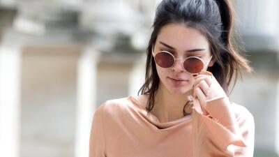 Kendall Jenner tiene acné