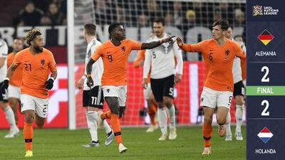 Holanda hizo un milagro: en los últimos seis minutos remontó un 0-2 en contra y clasificó al 'Final Four'