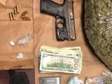 Encuentran armas y drogas en parada de tránsito rutinaria en Bakersfield