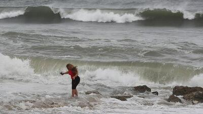 Contaminación y marejadas: el pronóstico del fin de semana en las playas del sur de Florida
