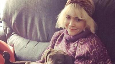 Actriz de la película 'Fifty Shades Freed' pide ayuda para encontrar a su hermana desaparecida en Los Ángeles