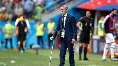 ¡Maestro! Tabárez ha obtenido más logros en selección que ocho técnicos de México juntos