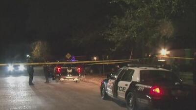 Policía investiga un tiroteo que dejó a tres personas heridas en Houston