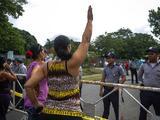 Ecuador deporta a 46 cubanos que pedían visa a México para llegar a EEUU