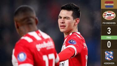Con doblete y asistencia, Chucky Lozano dio triunfo al PSV