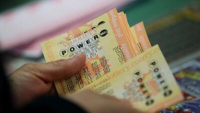 Madre de la familia Smith soñó los números ganadores de los $429.6 millones del Powerball