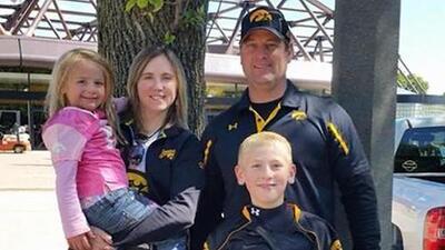 Un pueblo en Iowa llora la muerte por intoxicación de una familia entera en México