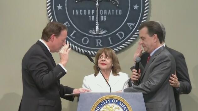 Alex Díaz de la Portilla juramenta como nuevo comisionado de Miami