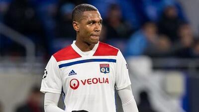 El brasileño Marcelo del Lyon se lesiona y está en duda para visitar al Barcelona