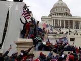 """""""Lo que estamos viendo hoy no es una democracia"""", reaccionan líderes locales ante caos en Washington"""